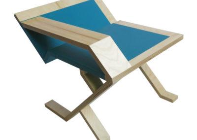 Table-dappoint-multiplex-peint-vue-de-profil-arriäre-StÇphane-Pennec-400x284