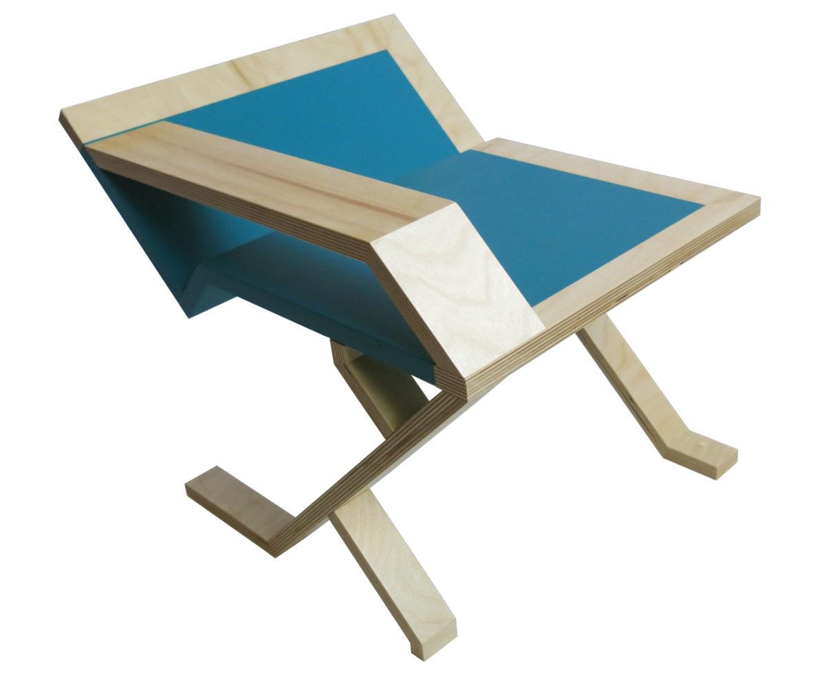 Table-dappoint-multiplex-peint-vue-de-profil-arriäre-StÇphane-Pennec