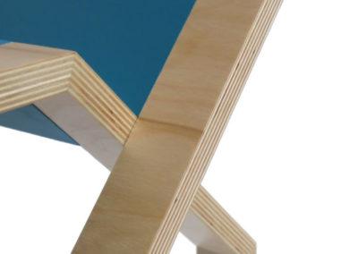 Table-dappoint-multiplex-peint-vue-des-pieds-StÇphane-Pennec-400x284