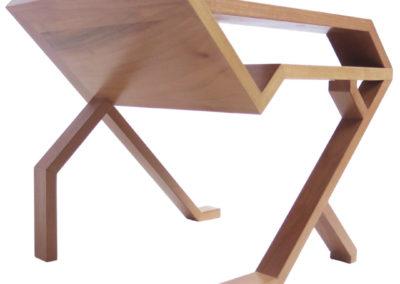 Table-dappoint-noyer-massif-vue-de-dessous-StÇphane-Pennec-400x284