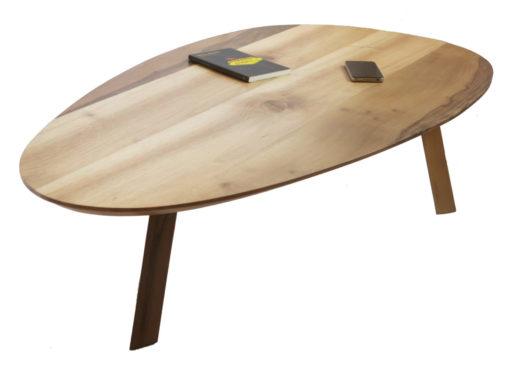 Table-de-salon-noyer-massif-vue-de-dessus-StÇphane-Pennec-520x370
