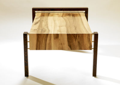 Creation-Stephane-Pennec-Table-Basse-Suspendue-8-400x284